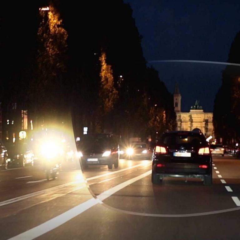 Die Fahrerbrille – Es ist dunkel und neblig. Die Sicht ist schlecht.